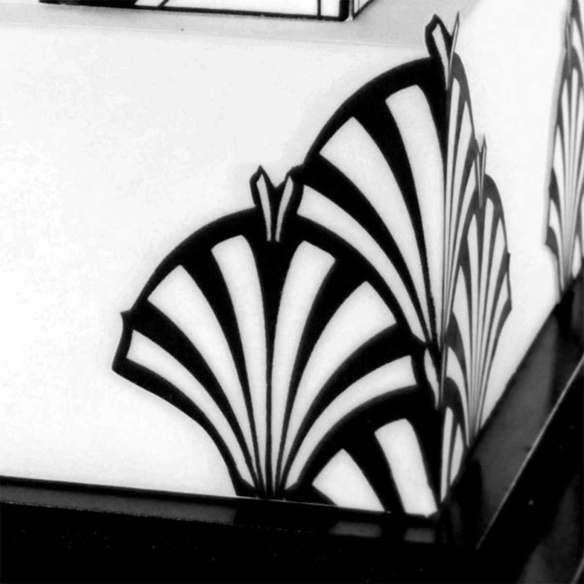 Art Deco Fountain Mesh Stencil.