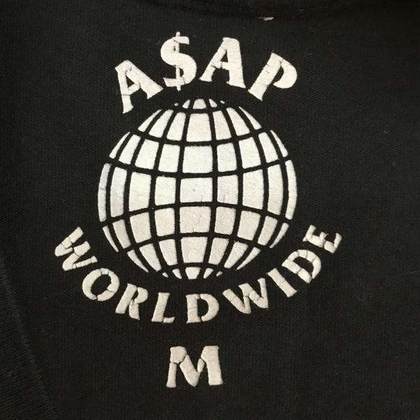 ASAP MOB BLACK ON BLACK SPELL OUT LOGO TEE.