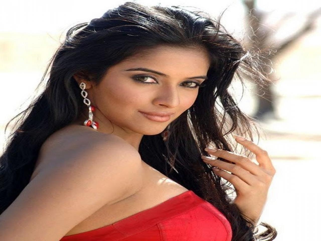 Actress Asin Clipart.