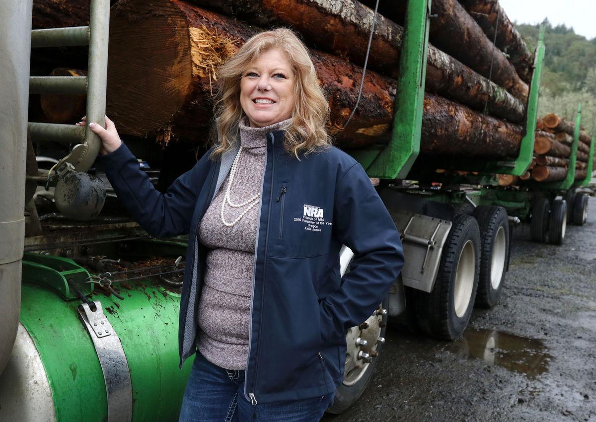 Associated Oregon Loggers honors Douglas County loggers.