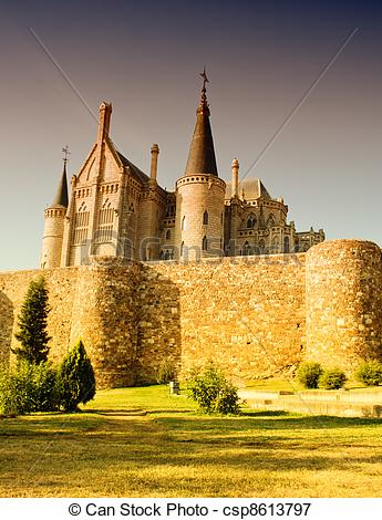 Picture of Roman walls and Episcopal Palace, Astorga.