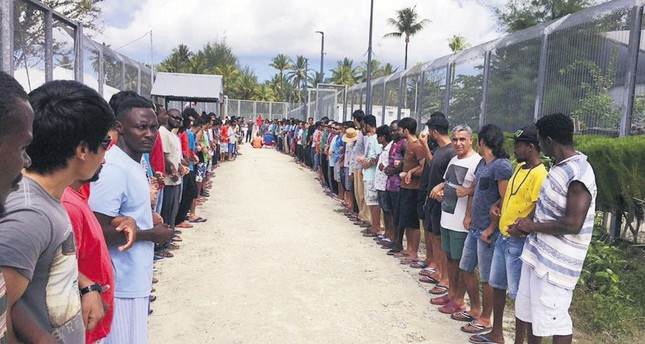 PNG threatens forcible eviction of asylum seekers.