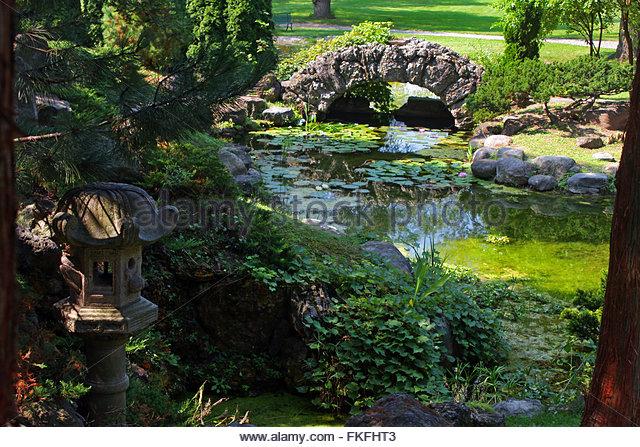 Gardens Lantern Stock Photos & Gardens Lantern Stock Images.