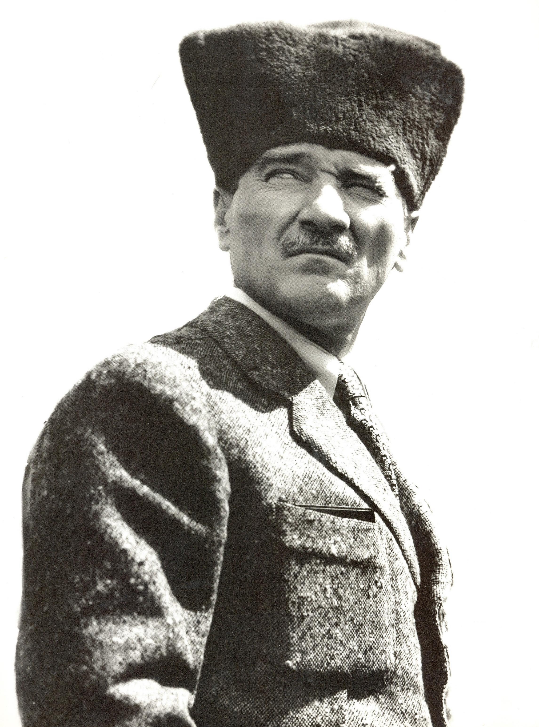 File:Mustafa Kemal Atatürk.png.