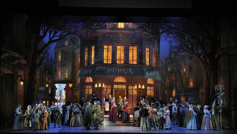 Portland Opera La bohème recreates atmosphere.