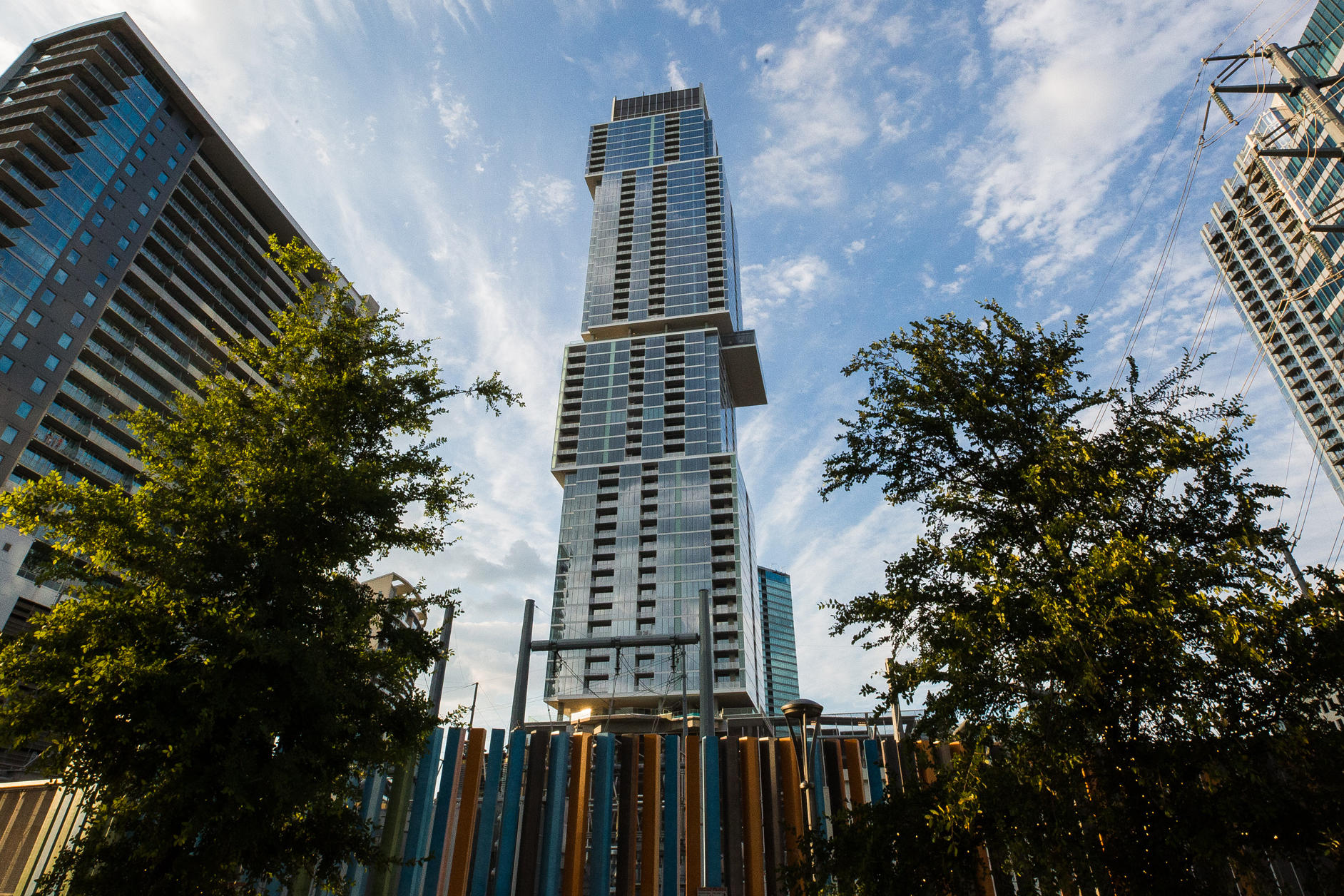 Why Does The Top Of Austin\'s Tallest Building Look.