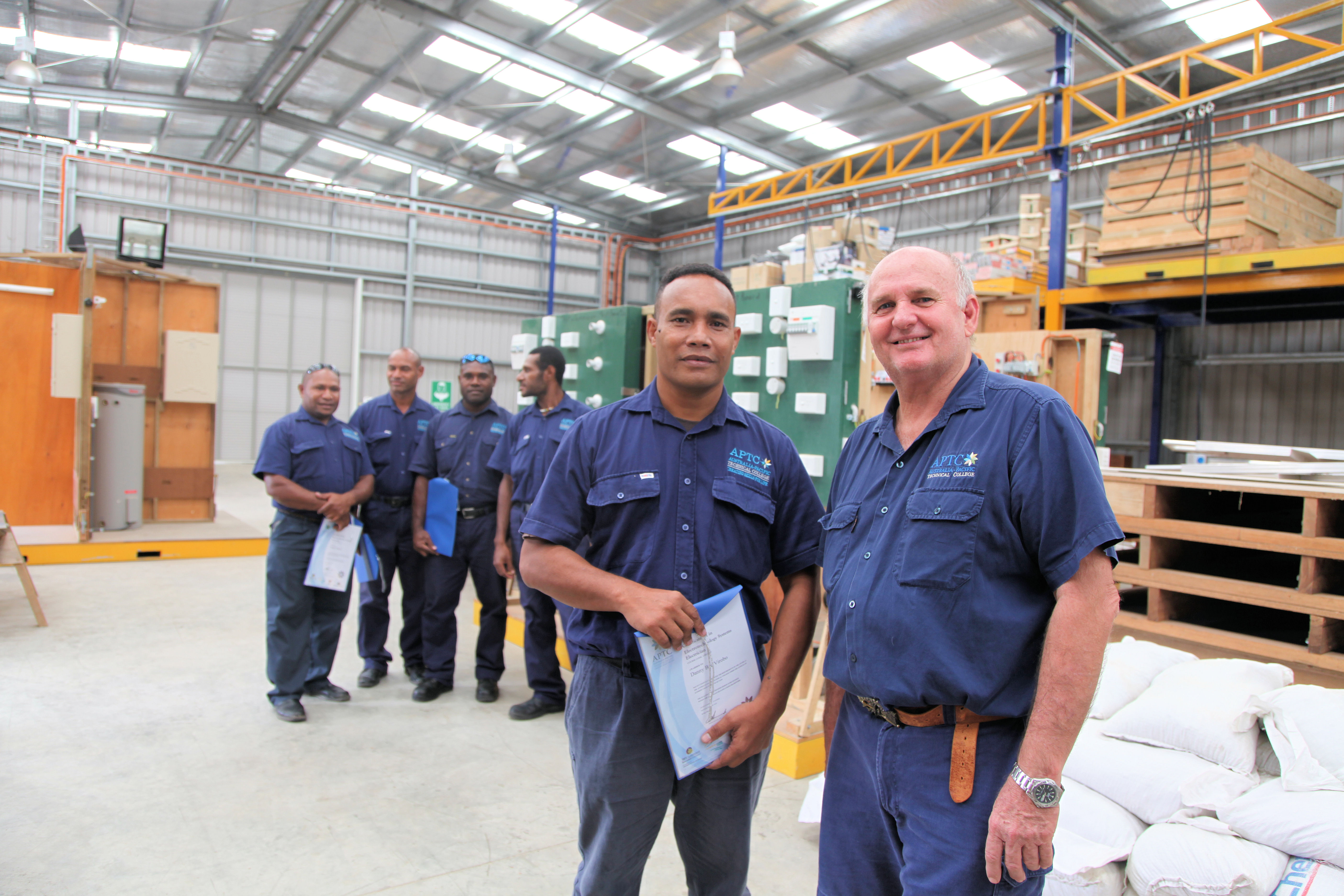 File:Australia provides training for PNG electricians (10673381114.