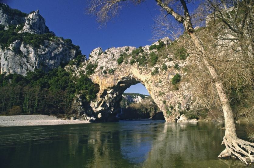 L'Aven d'Orgnac, voyage au centre de la terre : Magazine Ardèche.