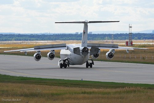 Aircraft Design: Why does the Avro RJ85 have four jet engines?.
