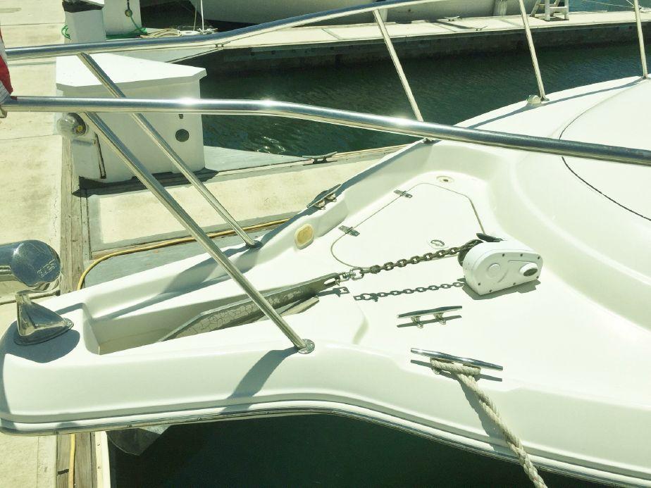 2001 Monterey 322 Cruiser Motor Båd til salg.