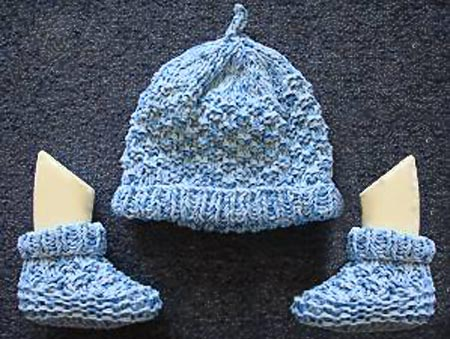 Two Needle Top Knot Baby Hat Knitting Pattern.