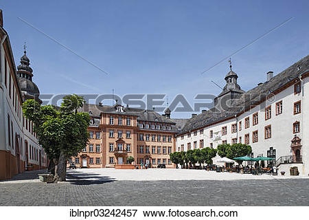 """Picture of """"Castle square with the northern and central wings."""