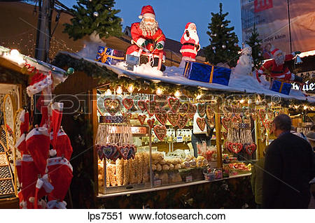 Stock Photography of gingerbread hearts merchant at christmas.