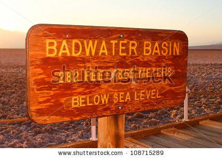 Elevation Sea Level Sign Lizenzfreie Bilder und Vektorgrafiken.