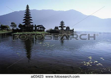 Stock Photo of Indonesia, Bali, Bedugal, Lake Bratan, Pura Ulun.