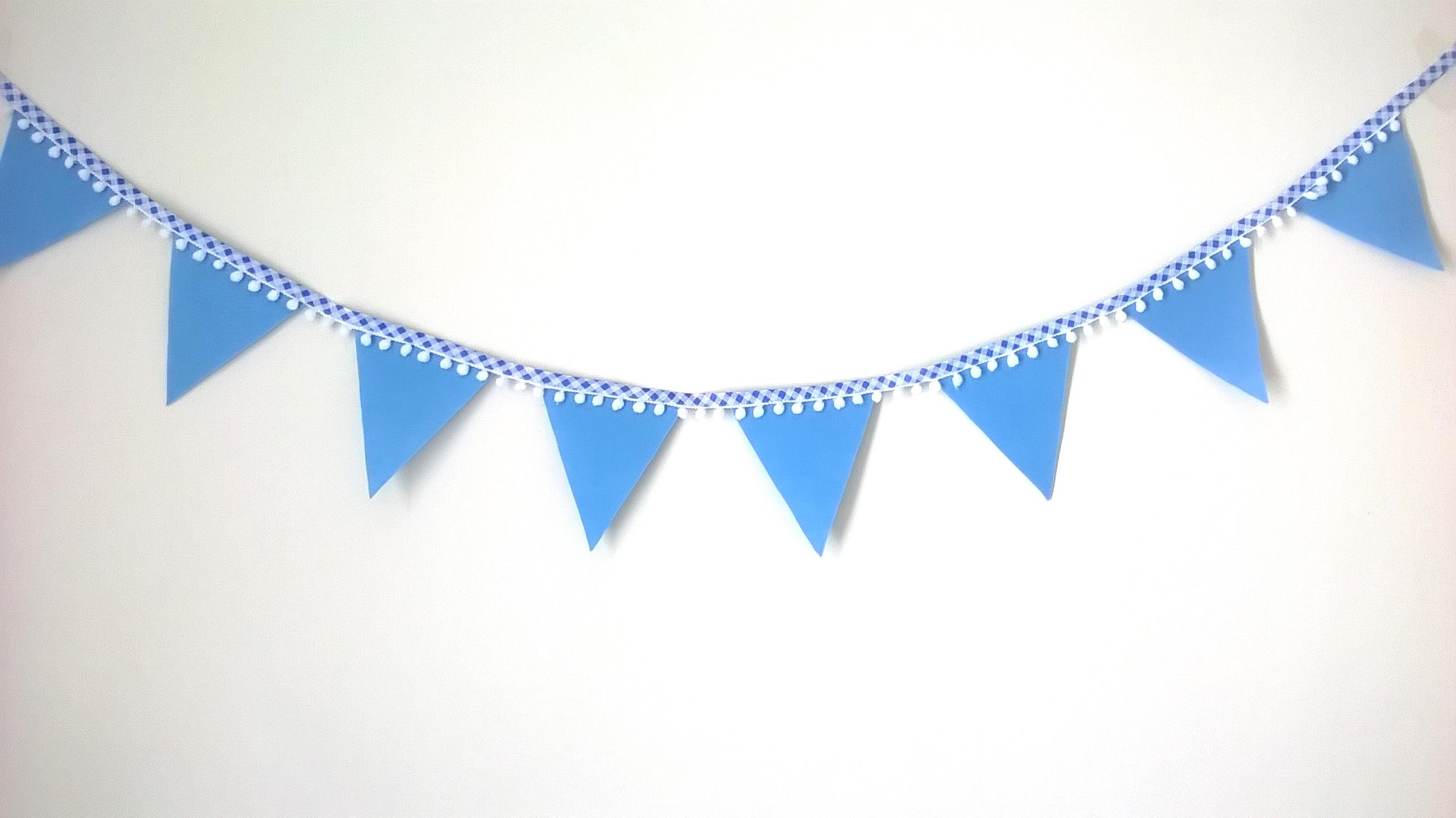 Varal de bandeirinhas Azul Claro.
