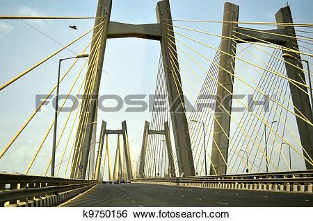 Stock Images of Cars driving over the Bandra.