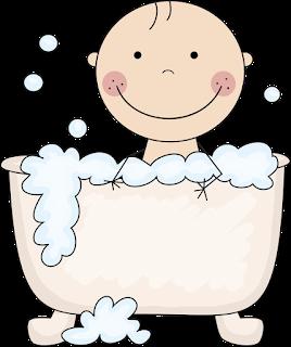bebé para baby shower en bañera.