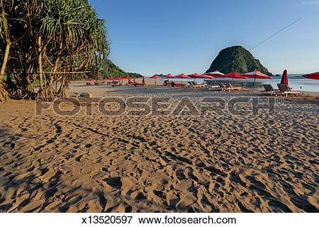 Picture of Red Island / Pulau Merah Banyuwangi x13520597.