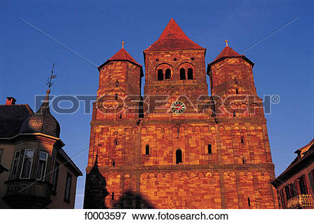 Picture of Christian architecture, church, front, Alsace, Bas Rhin.