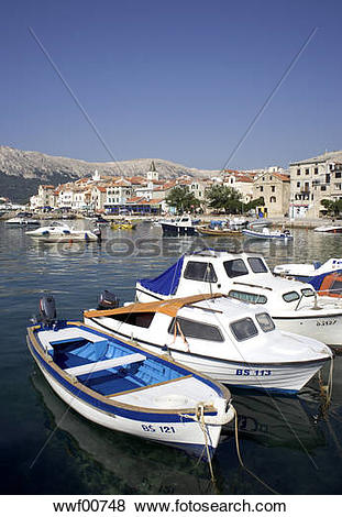 Pictures of Croatia, Krk Island, Baska, Boats anchoring wwf00748.