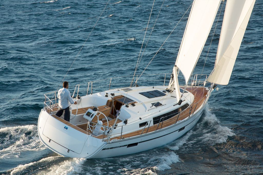 Bavaria 37 Cruiser Summer Wind.