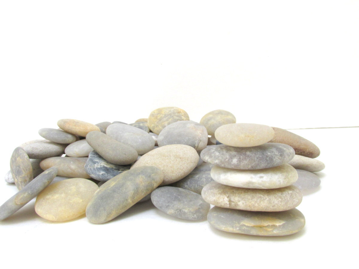Beach Stones 70 Smooth Flat Beach Rocks / by CreekLifeTreasures.