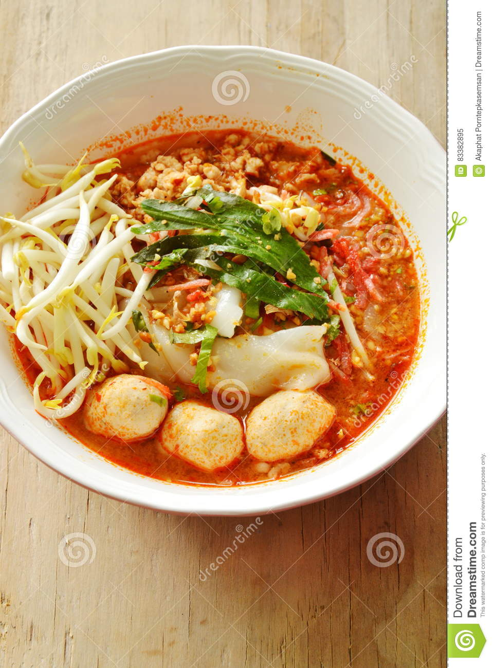 Rice Noodle With Pork Ball In Tom Yum Spicy Soup Topping Fresh.