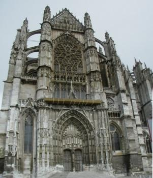 Southwestern facade of Cathedral of Beauvais.