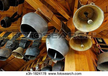 Pictures of animal bells, Obertino artisanal bells foundry.