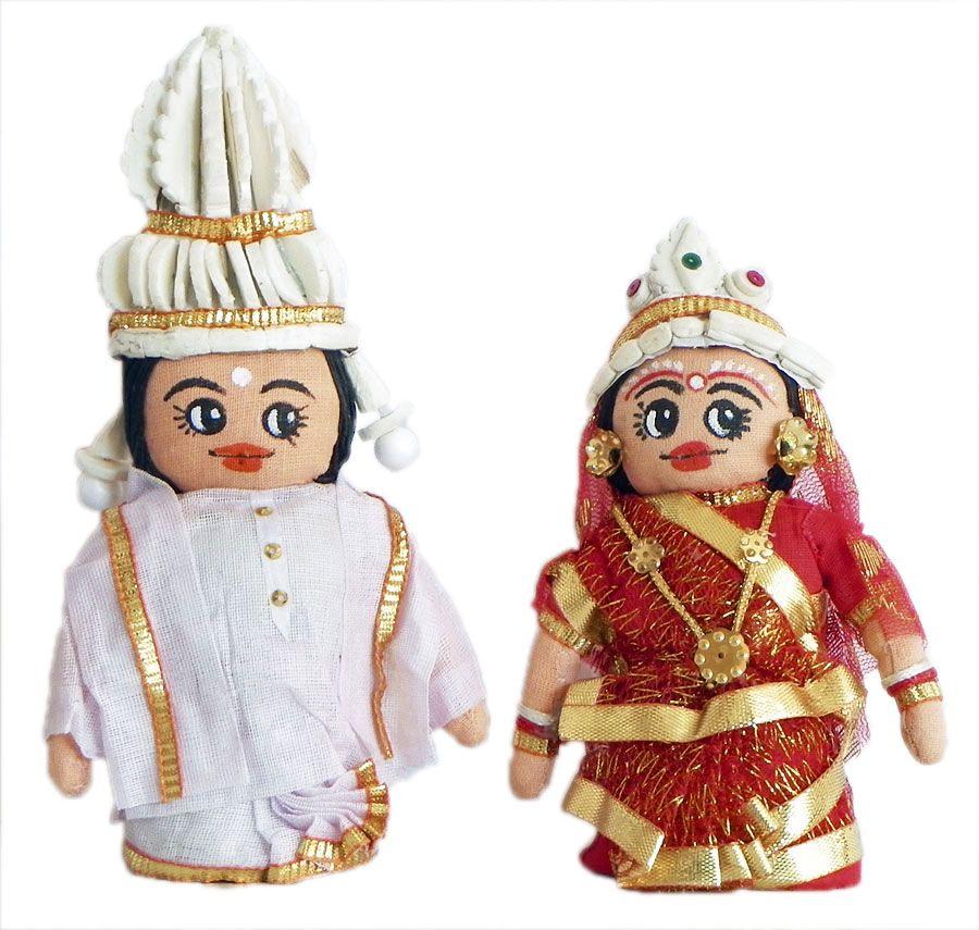 Bengali Bride and Bridegroom Doll Set.