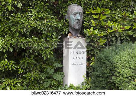 "Picture of ""Grave of Heinrich Mann in the Dorotheenstaedtischer."