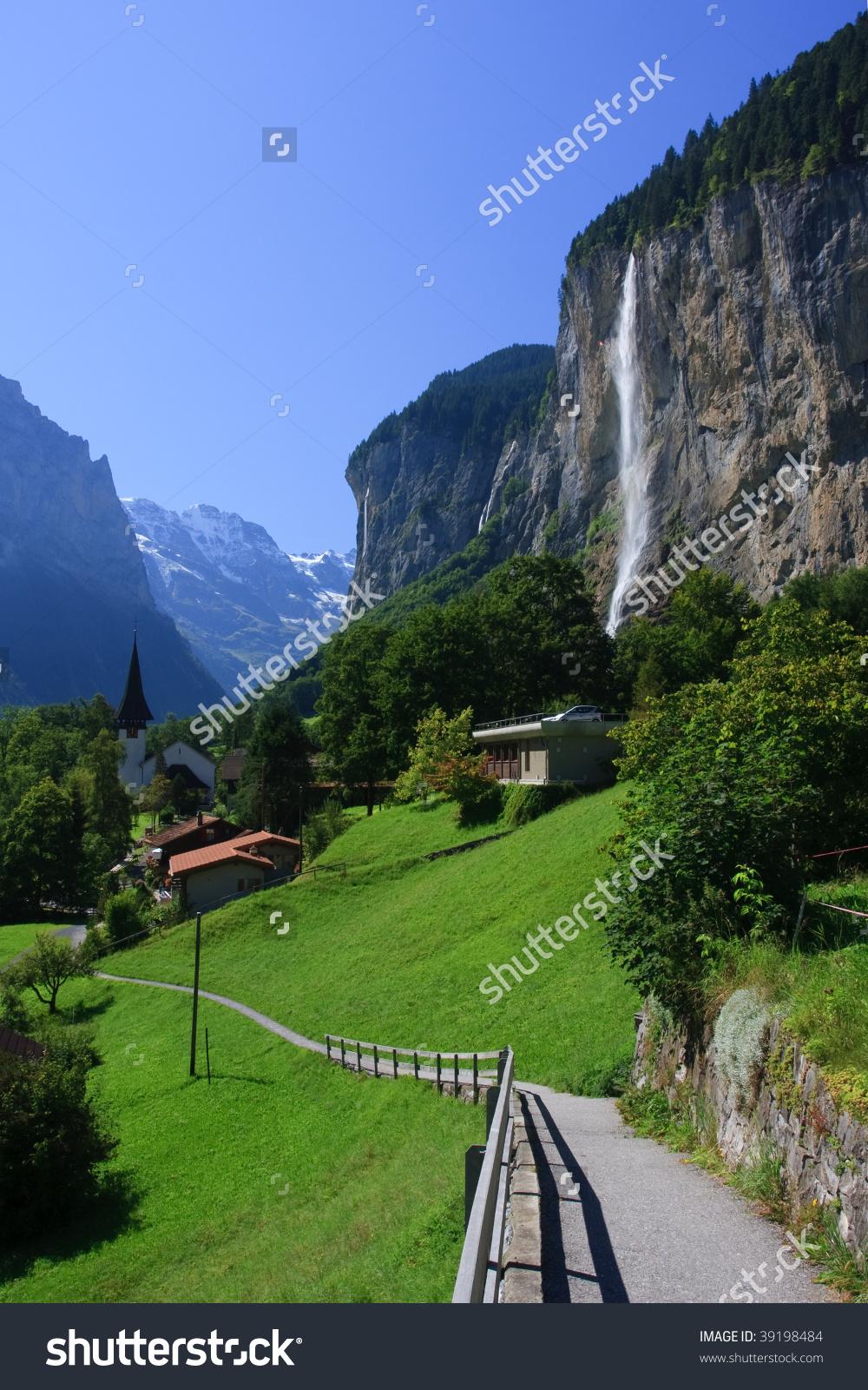 Staubbachfall Beautiful Lauterbrunnen Valley Bernese Oberland.
