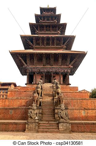 Pictures of Nyatapola Pagoda on Taumadhi Square in Bhaktapur.