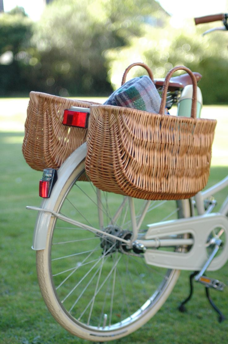 25+ best ideas about Bicycle Basket on Pinterest.