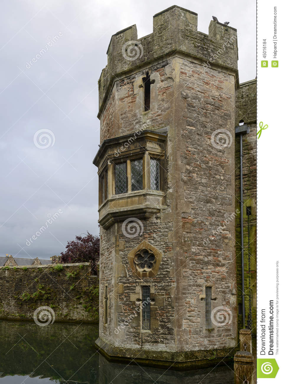 Moat And Tower Of Gatehouse At Bishop Palace ,Wells Stock Photo.