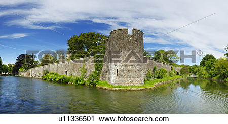 Stock Photography of England, Somerset, Wells, The moat and outer.