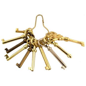 Antique Skeleton Key And Barrel Bit Set Clipart.