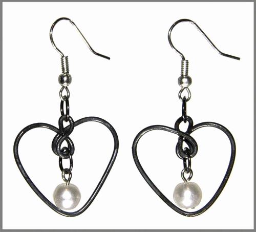 Earrings clipart black and white Lovely earrings clipart.