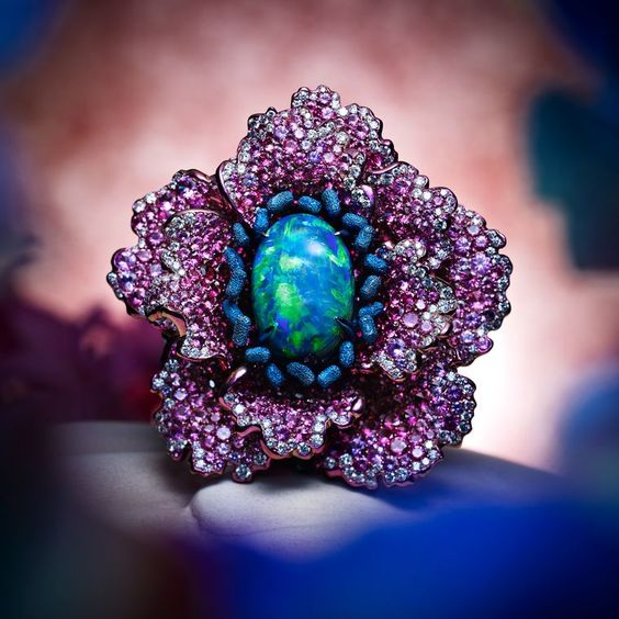 Chopard flutters into spring with new high jewellery collection.