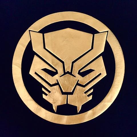 PREMIUM Marvel x urban TEE BLACK PANTHER HIGH DENSITY GOLD LOGO T.