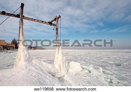 Pictures of Icy pier, frozen Black Sea, a rare phenomenon, last.