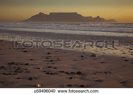 Stock Photography of Table Mountain and the outline of Devil's.