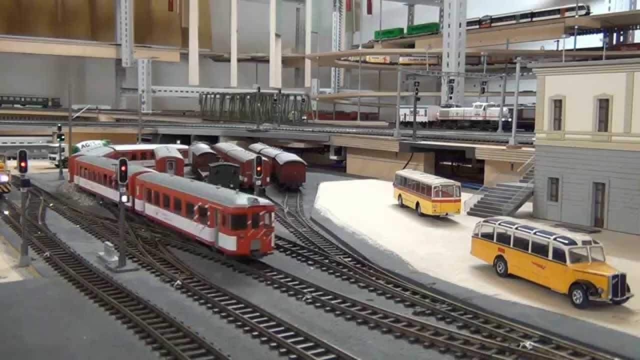 Historischer SBB Pendelzug an der BLS Südrampe.