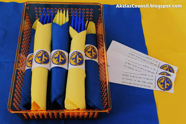 Akela's Council Cub Scout Leader Training: Paper Napkin Ring.