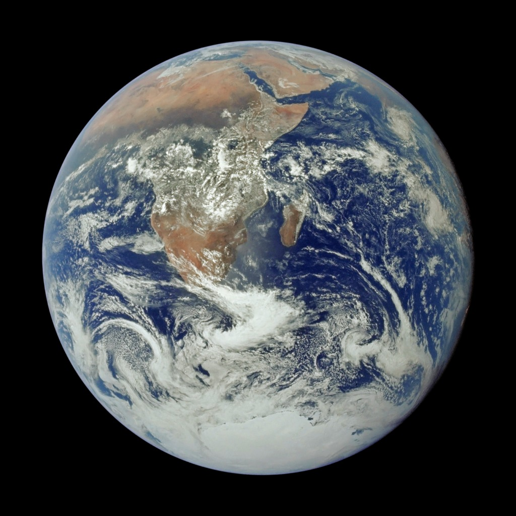 Hyperwall: The Blue Marble From Apollo 17.