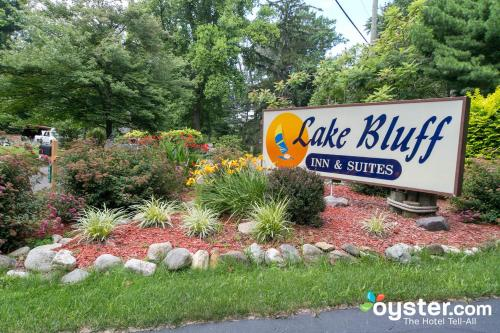 Lake Bluff Inn and Suites in MI.