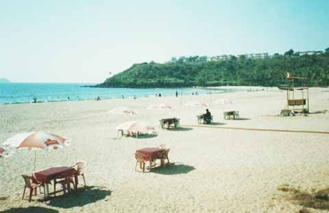 bogmalo beach goa.