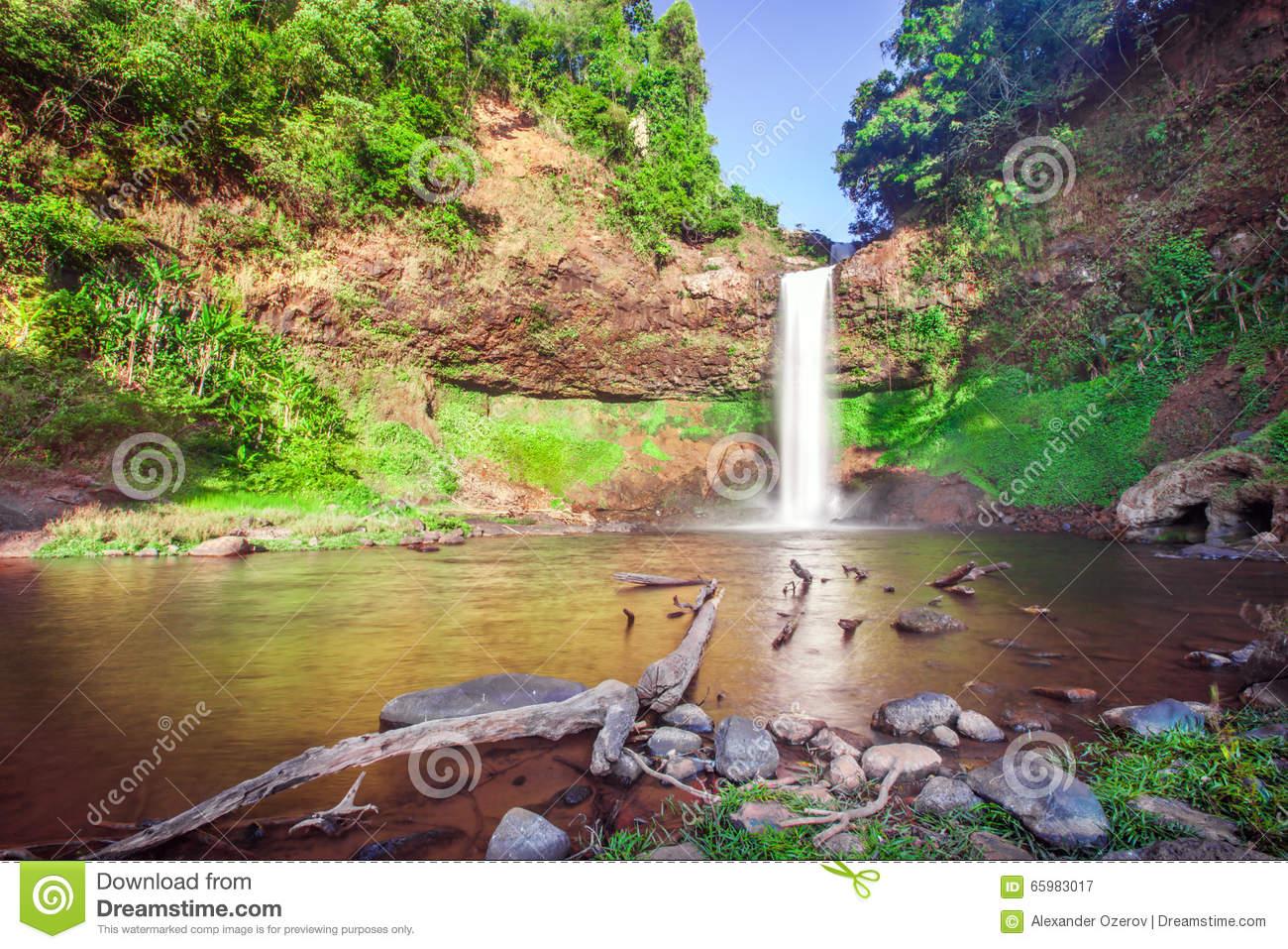 Tad E Tu Waterfall, Bolaven Plateau, Pakse, Laos Stock Photo.