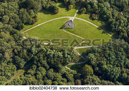 """Pictures of """"Aerial view, pyramid in the Vonderort Park."""